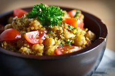 Zesty Lemon Quinoa with Chickpeas and Tomato (vegan)