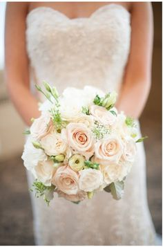 Bridal Bouquet with Garden Roses, Ranunculus, Lisianthus, Queen Anne's lace in White and Champagne colors