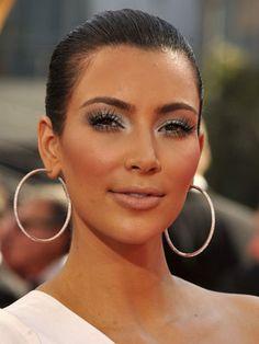 KIM KARDASHIAN on Pinterest | Kim Kardashian Eyelashes, Makeup and ... Red Lipstick Photoshoot