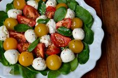 Caprese Salad, Mozzarella, Appetizers, Sweets, Meals, Healthy, Food, Embroidery, Salads