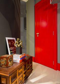 red door | Studio das Arquitetas by AT arquitetura para a Mostra Casa e Cia 2015 | Núcleo Formacco Trompowsky Corporate | Florianópolis, SC
