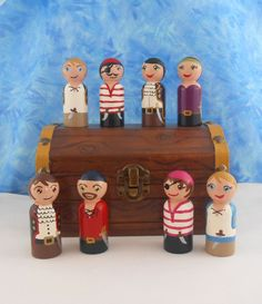 Pirate Peg People--note clothes
