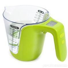 Jarra que además te pesa lo que contiene   #paratorpes #gadgets #cocina