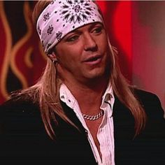 Although he's never admitted it, it's widely believed that Bret Michaels parted ways with his natural locks many moons ago. That's why the Poison singer is never seen without a cowboy hat on or one of these god-awful bandannas. Bret Michaels Poison, Bret Michaels Band, Big Hair Bands, Music People, Amy Winehouse, Halloween Costumes For Kids, Music Is Life, Hard Rock, Rock And Roll