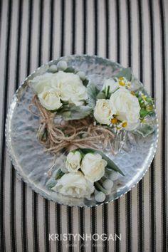 Cedarwood Vibrant Fall Wedding by Kristyn Hogan | Cedarwood Weddings #CedarwoodWeddings #SpecialDetails #GroomsBoutonniere