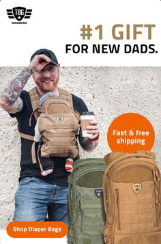 You've never seen dads so excited to carry baby gear, change diapers and carry the baby. Gadgets For Dad, Baby Gadgets, Dad Baby, Baby Boy, Baby Essential List, Baby Life Hacks, New Daddy, Gifts For New Dads, Baby Necessities