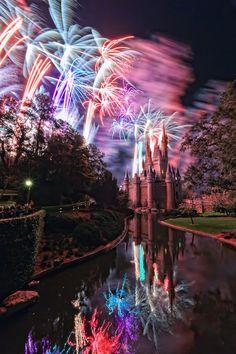 Beautiful fireworks over Disney's Cinderella Castle! Disney Dream, Disney Love, Disney Magic, Disney Disney, Disney Fireworks, Fireworks Photos, Fireworks Photography, Fire Works, Famous Castles