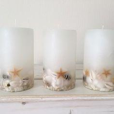 ※こちらの商品はメール便or定形外不可商品です。ゆうパックでの発送になります。~~~~~~~~~~~~~~~~~~~~~~~~CLAM.size/6×10㎝燃焼時間/約20時間貝殻を入れたキャンドルです。ヒトデが浮かんでまるで海の中のようなキャンドルです。火を灯すと香りが広がります。*貝殻の配置などは、1つ1つデザインが異なりますが、お選びが出来ませんので、ご了承下さいませ。〜香り〜シトロネラ(虫除けに効果のある、レモンに似たスッキリした香り)※こちらのみ天然のエッセンシャルオイルになります。※火を灯す際は、芯をしっかり立ててから灯す様にお願い致します。点灯する時はロウが漏れることがありますので下に受け皿を敷いてご使用下さい。就寝時や外出時は必ず火を消して下さい。