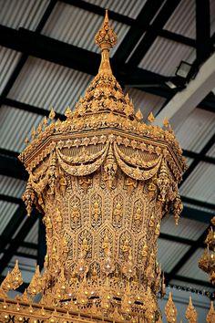 Culture Of Thailand, Thailand Art, Thai Art, Thai Style, Buddha, Artworks, Ceiling Lights, Traditional, Architecture