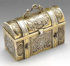 Victorian import silver-gilt box modelled as a casket. Hallmarked Thomas Glaser London with foreign plate mark 1888.