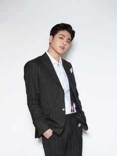 Ikon Junhoe, Kim Jinhwan, Ikon Kpop, 2ne1, Chris Brown, Yg Entertainment, Shinee, Ikon News, Park Bom
