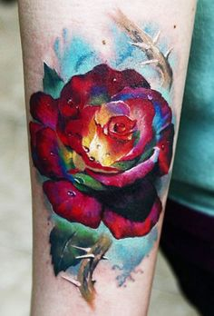 The Rose has been a timeless tattoo motive for many years. Never truly a trend, but never out of style either. Here are 100 rose tattoos. Kunst Tattoos, Body Art Tattoos, Girl Tattoos, Sleeve Tattoos, Tatoos, Tattoo Motive, Tattoo You, Pretty Tattoos, Beautiful Tattoos