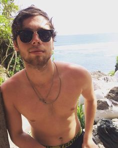 You rarely see a picture of Luke without a shirt on, but every time you see one you have to repin it. You just gotta