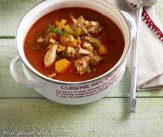 Skvělý recept na: Rajčatová polévka s kuřecím masem a kroupami Food Styling, Hermes, Chili, Soup, Chile, Soups, Chilis