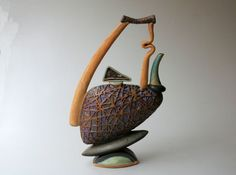 Sculpturale théière par PotterybyHelene sur Etsy