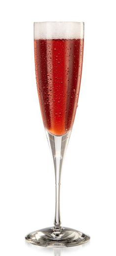 Red, white, and fizz cocktail