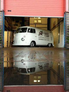 vw white bus in garage with logo Volkswagen Transporter, Vw T1 Camper, Vw Caravan, Vw Volkswagen, Volkswagen Bus, Campers, T1 Samba, Combi Split, Vw Camping
