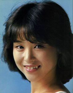 松田聖子さん、歌手デビュー当時。「聖子ちゃんカット」が...