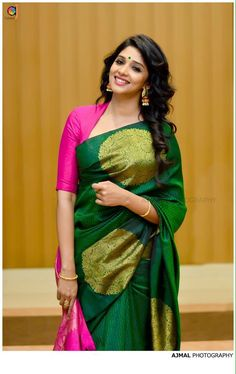 Blouse designs accentuate the looks of the wearer. For a classy and sophisticated look, try these amazing blouse designs which can win you many appreciatio Silk Saree Blouse Designs, Saree Blouse Patterns, Blouse Neck Designs, Silk Sarees, Blouse For Silk Saree, Pattern Blouses For Sarees, Gold Silk Saree, Designer Blouse Patterns, Designer Dresses