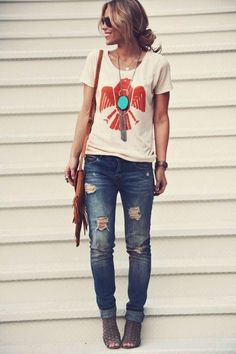 Casual graphic tee outfit - distressed jeans. #Sevenly tee and a cute chunky necklace! || how to style a t-shirt || every day street style || casual outfit inspiration