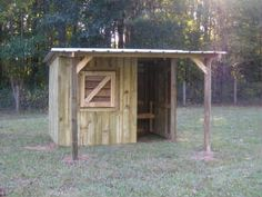pygmy goat shed - Bing images Goat Shelter, Animal Shelter, Goat Shed, Small Goat, Goat House, Goat Barn, Dwarf Goats, Raising Goats, Small Barns
