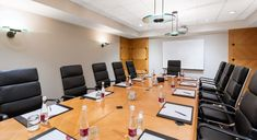 Have you been searching for conference & event venues Auckland? At Crown Plaza we offer you best conference or event venues at discounted prices. Meeting Venue, Conference Meeting, Room To Grow, Plaza Hotel, Auckland, Event Venues, Space, Furniture, Home Decor