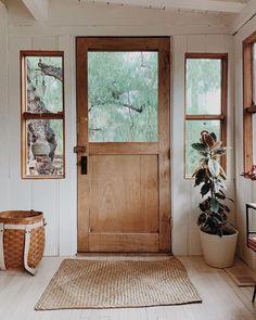 Home Interior Decoration farmhouse style Home Design, Farmhouse Style, Farmhouse Decor, Modern Farmhouse, Rustic Cabin Decor, Farmhouse Front, Cottage Farmhouse, Sweet Home, Deco Nature