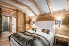 Liondes Chalets in St. Hotels, Cozy Bedroom, Furniture, Bed Room, Home Decor, Wood Ceilings, House Decorations, Chalets, Houses