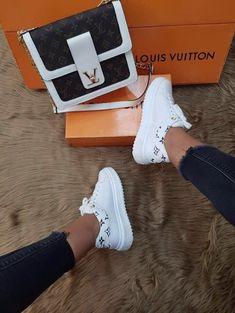 ριитєяєѕт ❥ carmelizabethhh - Source by falltrends vuitton shoes Moda Sneakers, Sneakers Mode, Sneakers Fashion, Fashion Shoes, Style Fashion, Chanel Sneakers, Runway Fashion, Fashion Trends, Louis Vuitton Sneakers