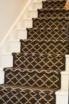 DIY stair runner - like this pattern Annie Sloan Graphite, Basement Stairs, Basement Layout, Basement Plans, Painted Stairs, Wooden Stairs, Carpet Stairs, Hall Carpet, Sweet Home
