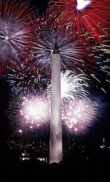Fourth of July fireworks behind the Washington Monument