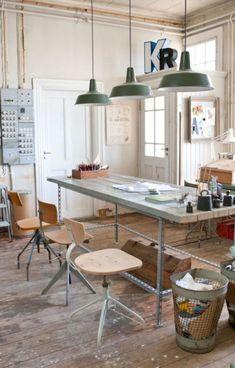 Brilliant Art Studio Design Ideas For Small Spaces (13)