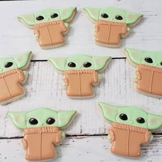 "A Baby Yoda cookie cutter that takes ""he's cute enough to EAT!"" to a whole other level, y'all. 34 Things To Help Seriously Elevate Your Lockdown Baking Star Wars Cookies, Star Wars Cake, Star Wars Party, Star Wars Cookie Cutters, Star Wars Cupcakes, Yoda Cake, Tie Dye Cupcakes, Baked By Melissa, Cookie Shots"