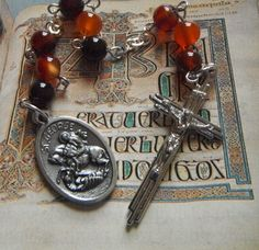 Black and red agate Catholic chaplet of Saint George (patron saint of England) by #TripleTwisting on Etsy