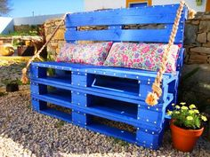 "outdoor pallet furniture tutorial - You can see and find a picture of outdoor pallet furniture tutorial with the best image quality at ""Home Design And Improvement Galery""."