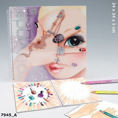 Top Model hand design