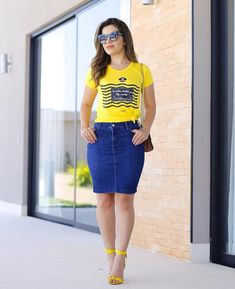 Curvy Outfits, Modest Outfits, Trendy Outfits, Denim Fashion, Skirt Fashion, Fashion Outfits, Denim Skirt Outfits, Modelos Fashion, Love Jeans