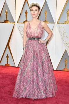 Scarlett Johannson Oscar 2017: Scarlet came in pink -silver dress from Alaia. The dress is great and beautiful on her. But I'm not sure if it's goot choise for the Oscars. But she had them so I think without one bracelet it would be better. And I don't think is the worst robe. But her visage is briliant. I love her hair. So it's OK! #oscars2017
