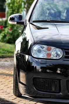 Golf 4 – schwarz in schwarz Vw R32 Mk4, Golf Mk4 R32, Golf 4 Wallpaper, Golf 4 Tuning, Volkswagen Golf, Jetta A4, Nissan R34, Volcano, Cars And Trucks