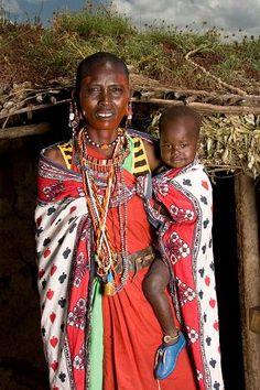 masai mother and child African Women, African Art, African Fashion, Mother And Father, Mothers Love, Powerful Women, New Books, Safari, Dressing