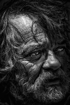 Photo homless meeting I by RRegis Photos on Black And White Face, Black And White Painting, Black And White Portraits, Black And White Photography, Old Man Portrait, Realistic Pencil Drawings, Old Faces, Face Sketch, Best Portraits