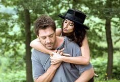 JAVIER BARDEM Y PÉNELOPE CRUZ Como Juan Antonio y Maria Elena en Vicky Cristina Barcelona (2008)