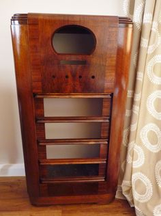 Behold a thing of beauty.  All the hard work that's gone into bringing this 1938 vintage valve radio is beginning to pay off.  Take a look at the craftsmanship of the vintage cabinet, just waiting for the electronics