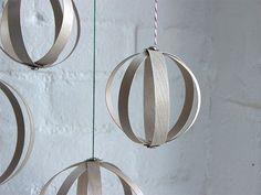 DIY Wood Veneer Ornaments (via Bloglovin.com )