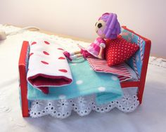 Side view of mini lalaloopsy bed