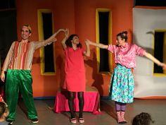 Ümraniyeli çocuklar sahnelenen tiyatro oyunlarıyla keyifli bir hafta sonu geçirdi.