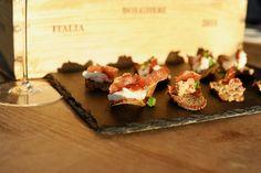 Pomazánka ze sušených rajčat na chlebovém chipsu Prosciutto, Kitchen, Recipes, Food, Cooking, Eten, Recipies, Ripped Recipes, Kitchens