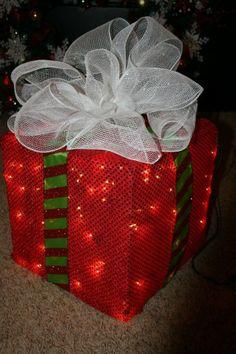 Caja de regalo con luces navideñas
