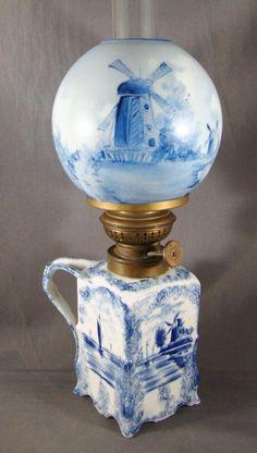 PORCELAIN DELFT DECORATED MINIATURE FINGER LAMP