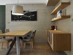 1 buffet para sala de jantar A sala de jantar é um dos ambientes que proporciona momentos de união, lazer, alegria e conforto para a família e amigos. E tudo isso acontecerá da melhor forma com um ambiente bem decorado e pensado exclusivamente para você. Não importa se a sua sala é grande ou pequena, ela sempre terá os itens essenciais, como, mesa, cadeiras, detalhes de decoração e claro um buffet para sala de jantar
